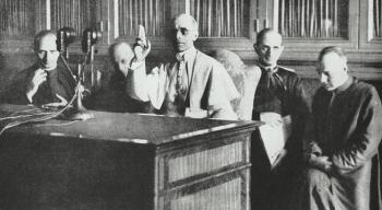 Tajna wojna Piusa XII