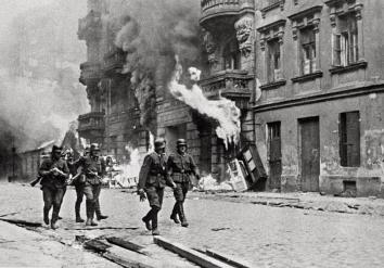Żydowska prawica strzela do SS